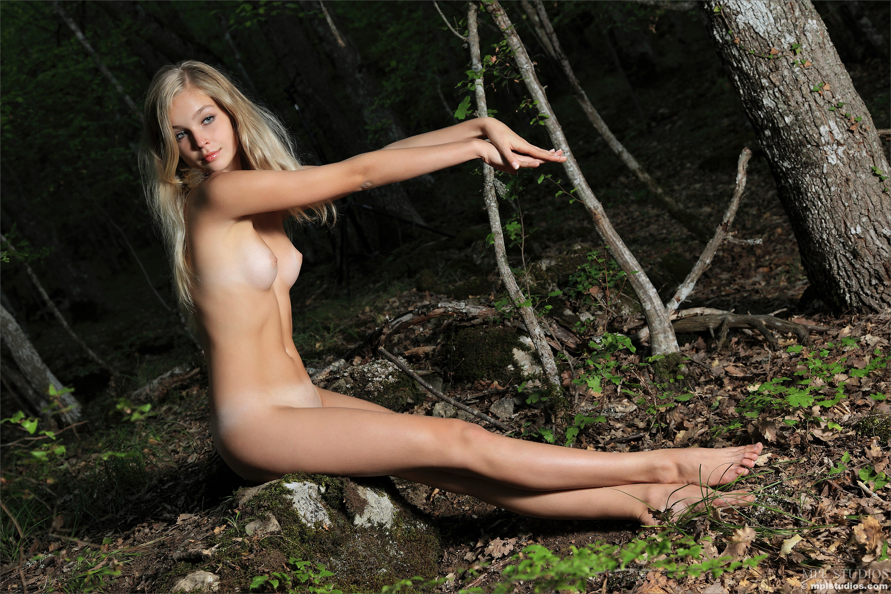Sienna guillory nude celebrities