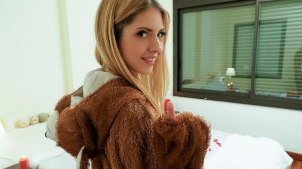 Right Gift Wrong Girl - Rebecca Volpetti [LetsTryAnal/Mofos] (FullHD 1080p)