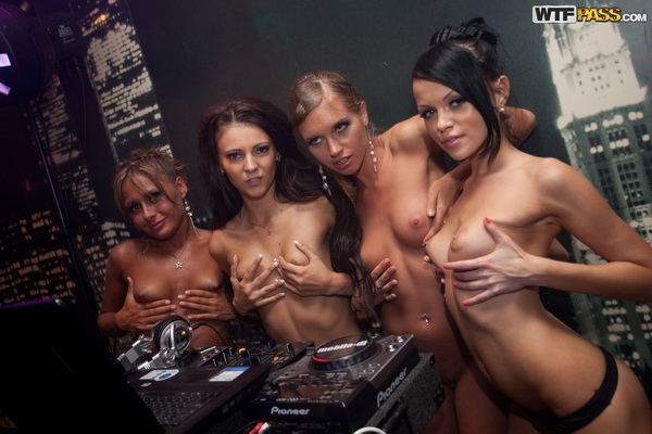 College girls fucking in the bar - Students [StudentSexParties] (SD 576p)