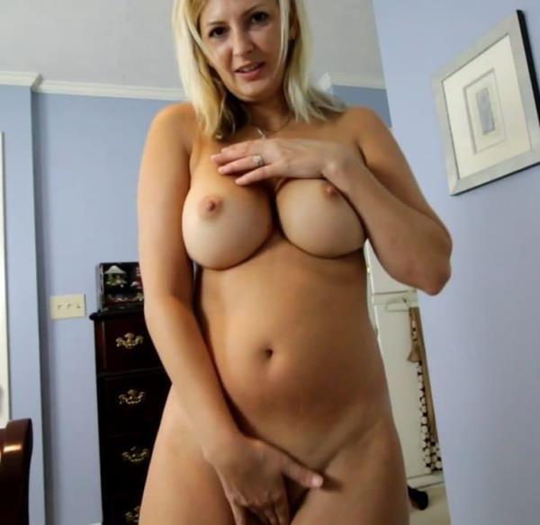 Mommy's Helping Hand - Ashley Mason [Ashley Masons Play House] (HD 720p)