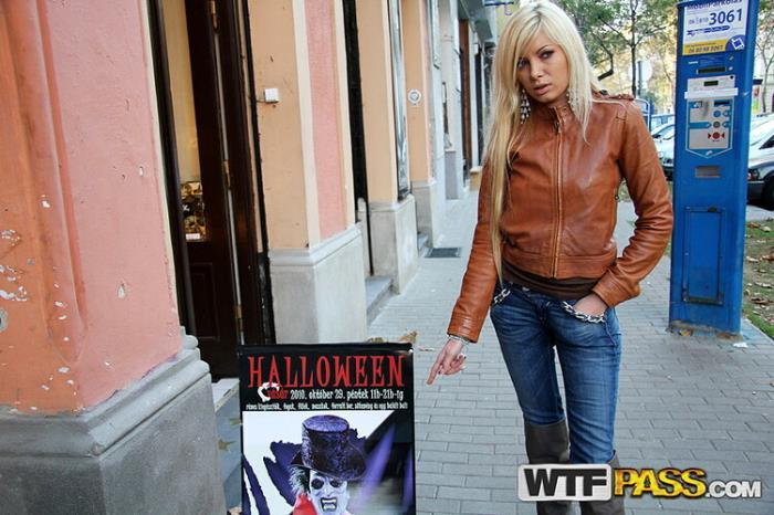 Dona (aka Donna Bell) - Fancy dress out door sex on Helloween (SD 576p) - PublicSexAdventures/WTFPass - [2020]