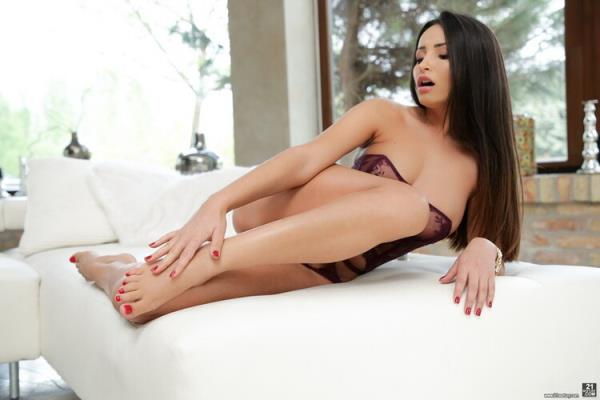 Alyssia Kent - Licking Cum Off My Toes [FullHD 1080p] 2020