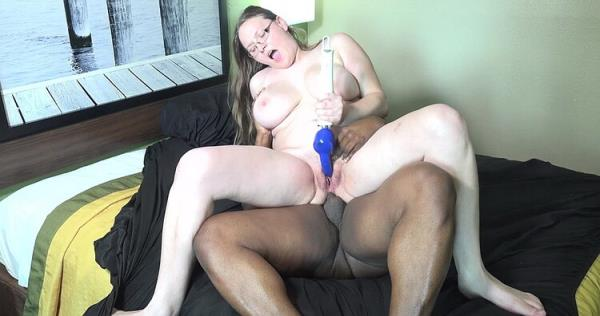 Eastcoastbooty: Kandice - Kandice 24 Year Old Squirter (FullHD) - 2020