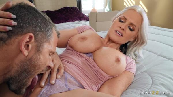 Milfs Like it Big Alena Croft