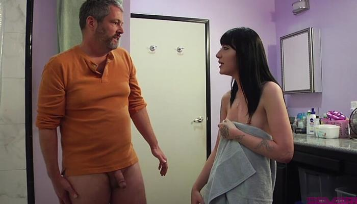 CHARLOTTE SARTRE, JIMMY BROADWAY - STEP-DAD GETS FUCKED (2020) [HD/720p/MP4/559 MB] by Utrodobroe